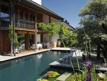 cozy-garden-with-natural-pool