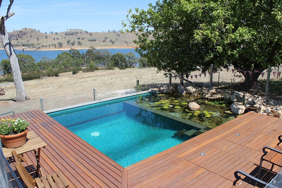 Biotop natural plunge pool in down under - Swimmingpool aus paletten ...