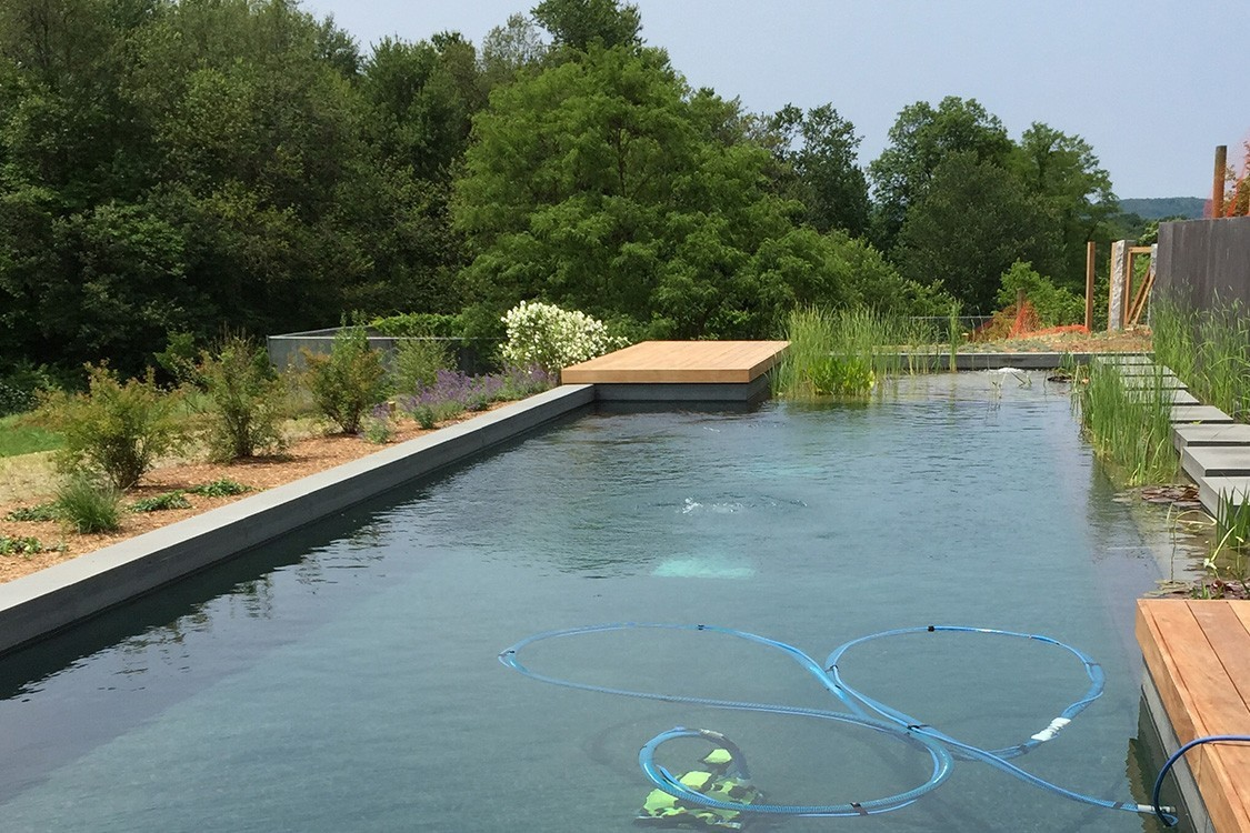 Biotop a sustainable compound in the hudson valley for Pool graue folie